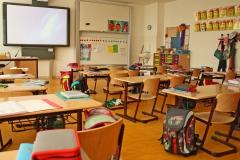 Klassenzimmer mit Smartboard