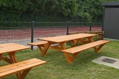 Bänke für den Schulgärten und das grüne Klassenzimmer