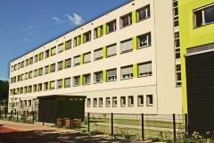 Rückseite mit Schulgarten